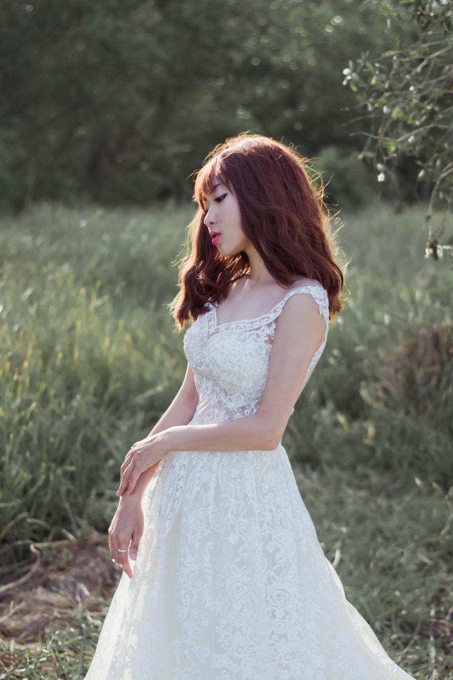 áo cưới chữ A ren nguyên tấm