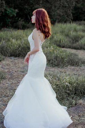 áo cưới đuôi cá hở lưng