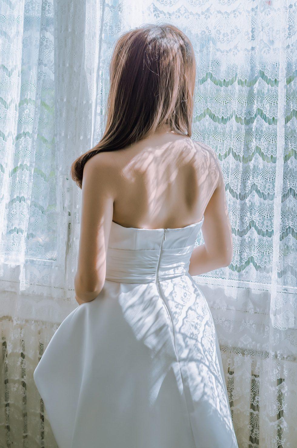 váy cưới suôn