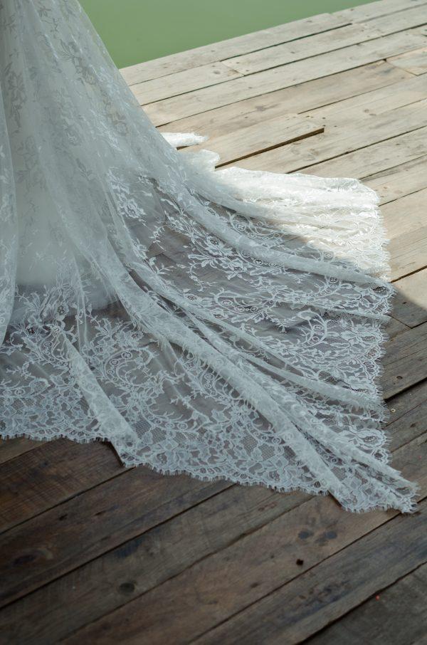 áo cưới đuôi cá hebe