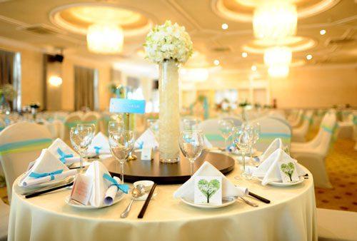 Tổ chức đám cưới vào buổi trưa giúp tiết kiệm chi phí hiệu quả