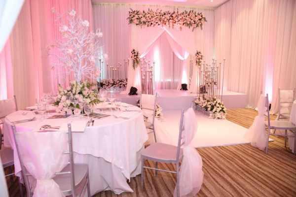 Mẫu tiệc cưới màu hồng phấn ngọt ngào