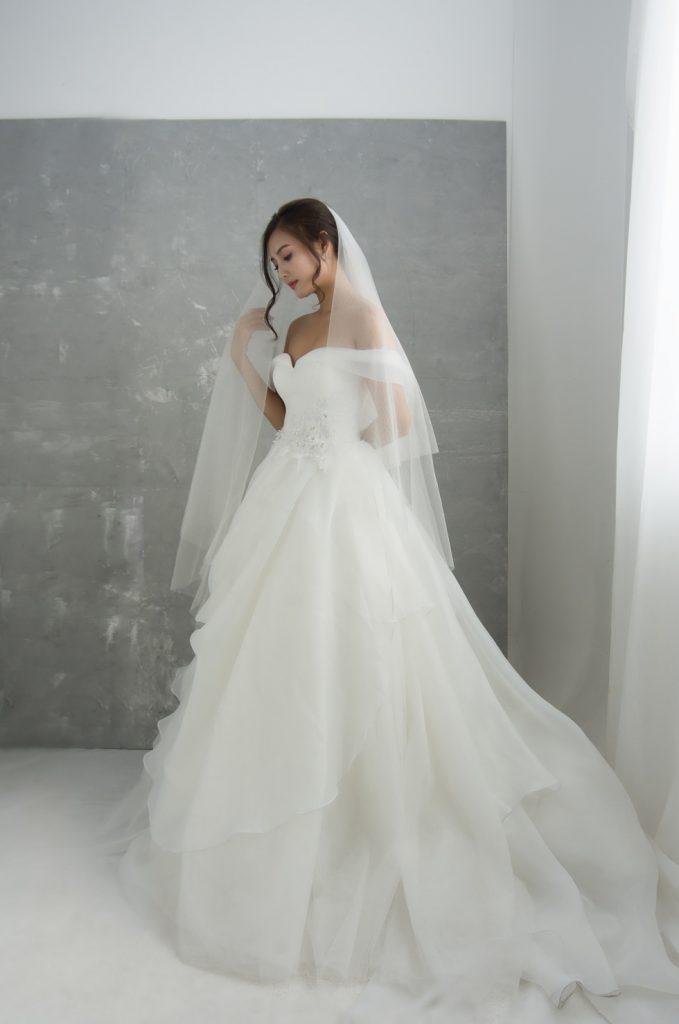 áo cưới công chúa tay rớt vai