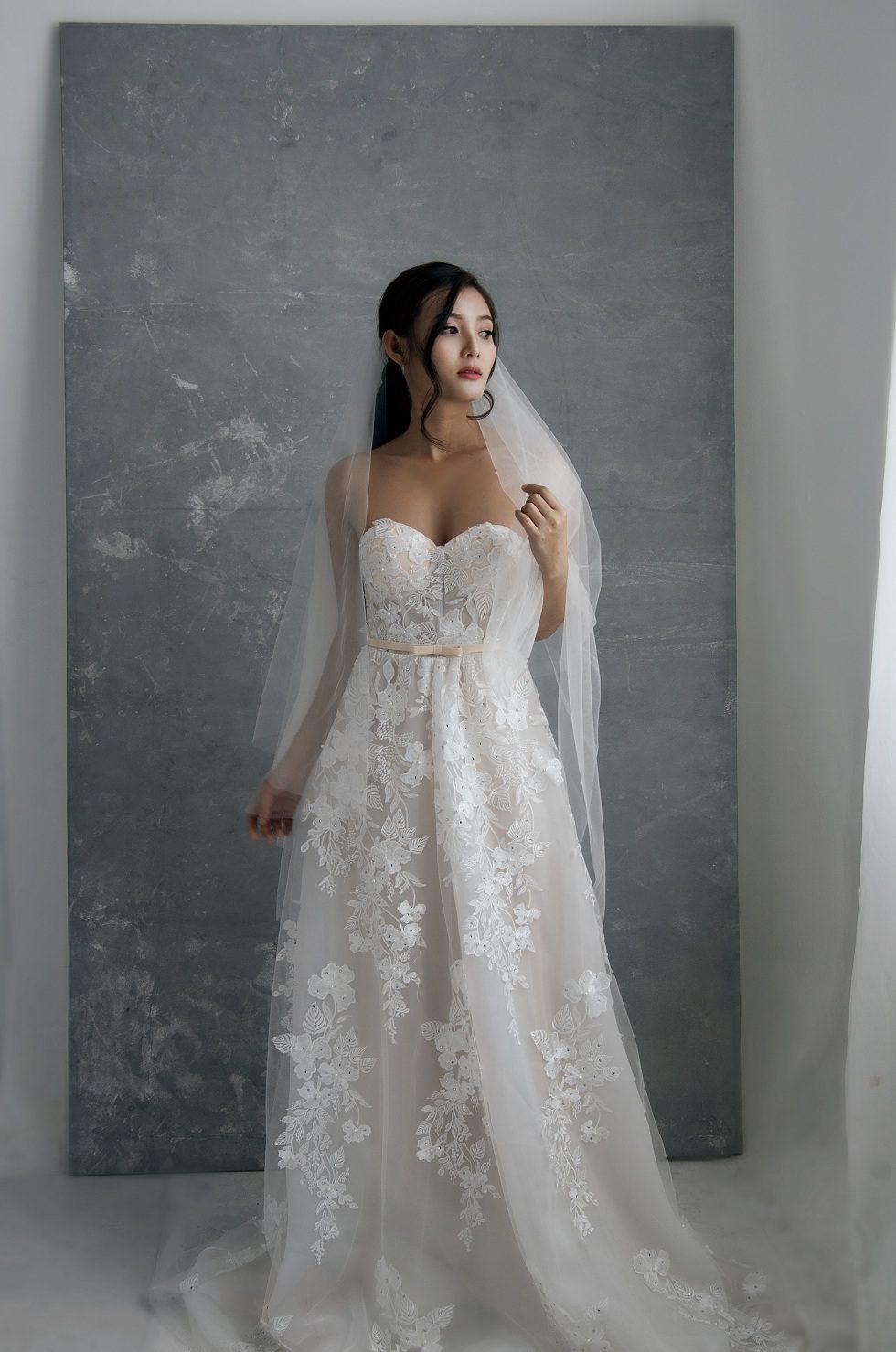 áo cưới cúp ngực