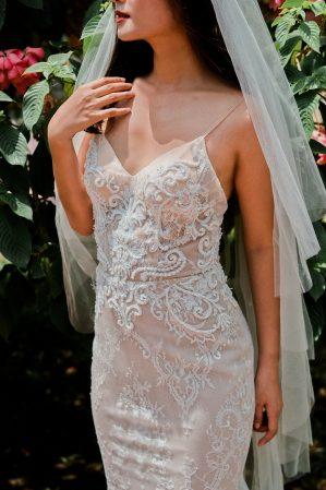 áo cưới 2 dây màu nude