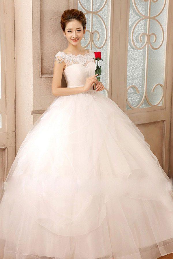 chọn áo cưới cho cô dâu gầy