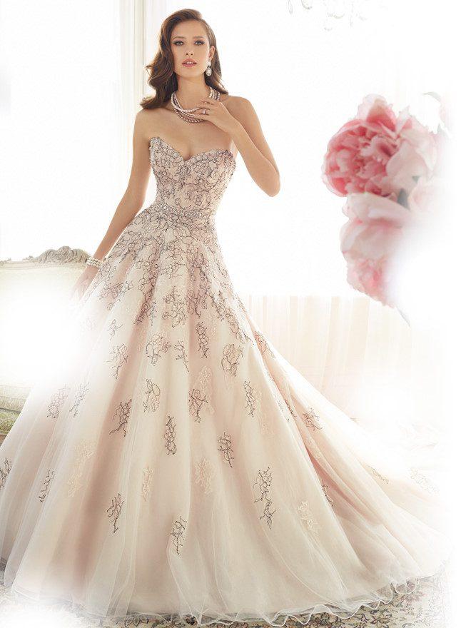 váy cưới cho làn da ngăm