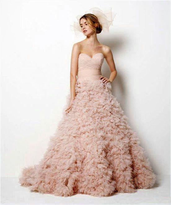 váy áo cưới cho da trắng hồng