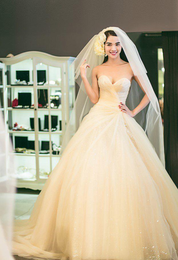mua áo cưới đẹp ở tphcm