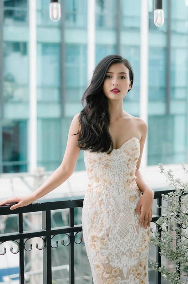 Áo cưới đẹp đơn giản cho cô dâu bắp tay to