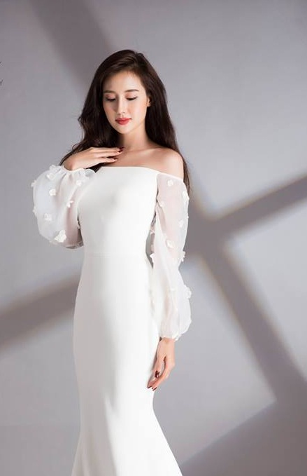 HOW MUCH IS A WEDDING DRESS IN HOCHIMINH CITY?