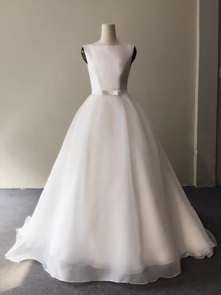 Kiểu dáng váy cưới chữ A giúp che khuyết điểm cho cô dâu mập mạp