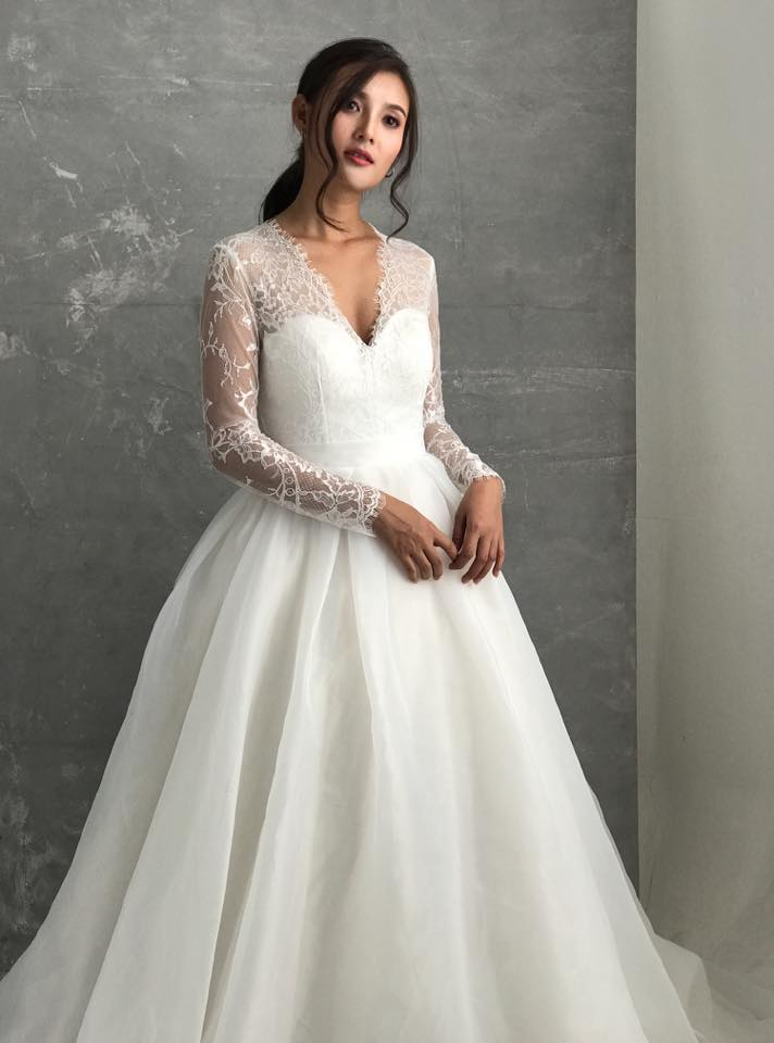 váy cưới có tay áo
