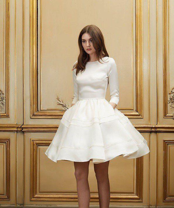 váy cưới ngắn có tay dài