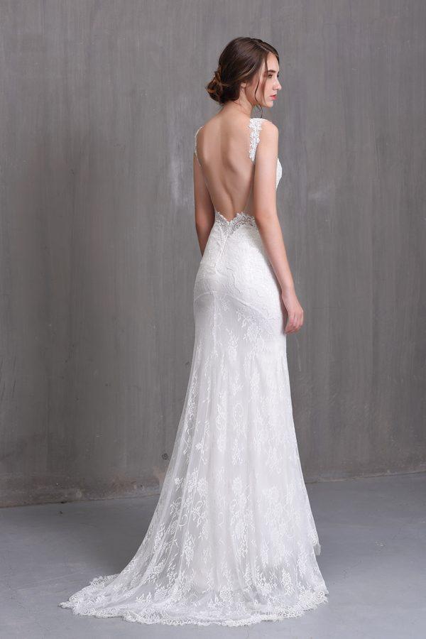váy cưới công chúa hở lưng phong cách cổ điển