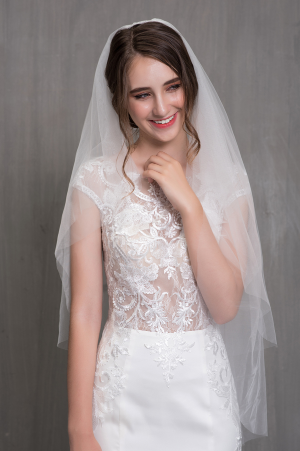 váy cưới có lúp