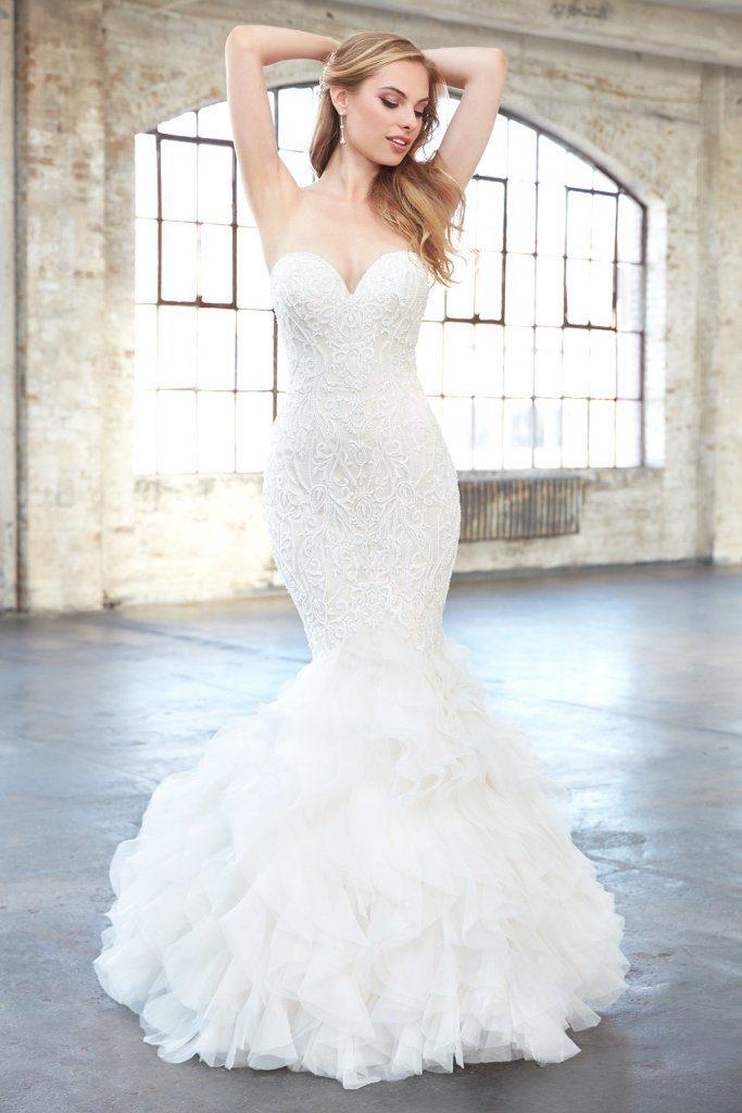 mẫu váy cưới đuôi cá đẹp