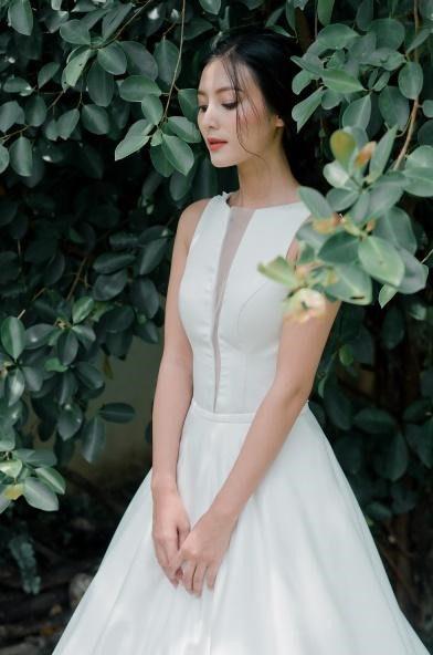 áo cưới kiểu dáng dạ hội