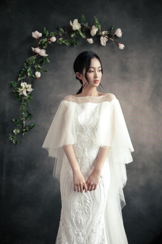 áo cưới kín đáo lys