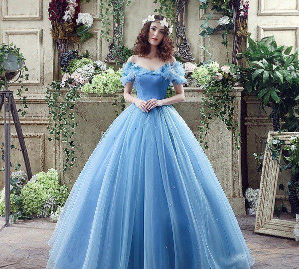áo cưới màu xanh da trời