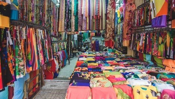 chợ vải may váy cưới