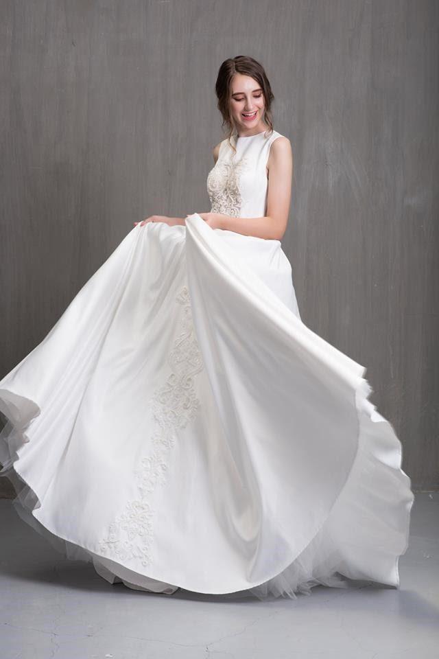 may váy cưới thiết kế