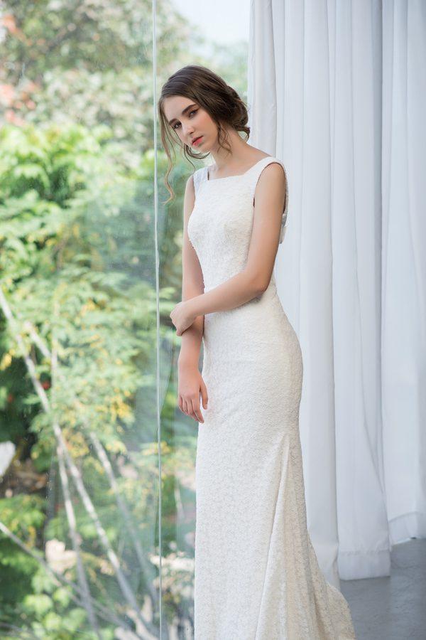 áo cưới đuôi cá cô dâu thấp