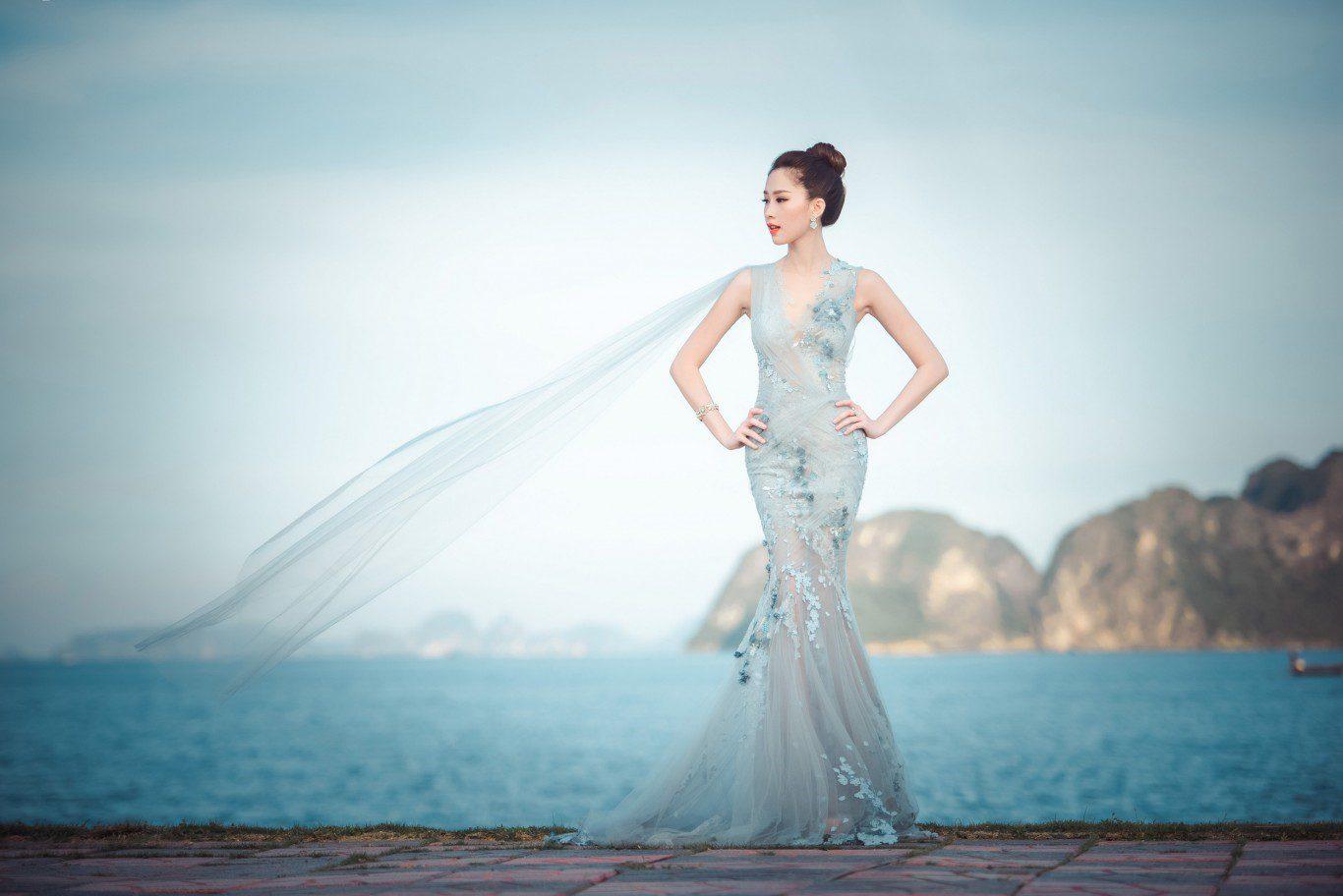áo cưới đuôi cá màu xanh