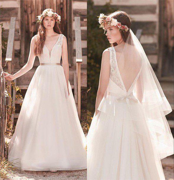 mẫu áo cưới hở lưng đẹp
