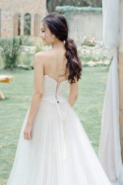 áo cưới hở lưng