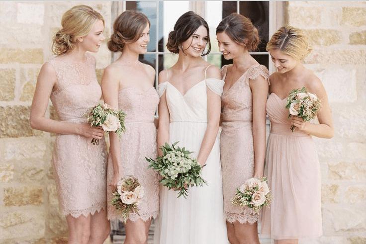 Hướng dẫn chọn Váy phù dâu đẹp cho đám bạn thân