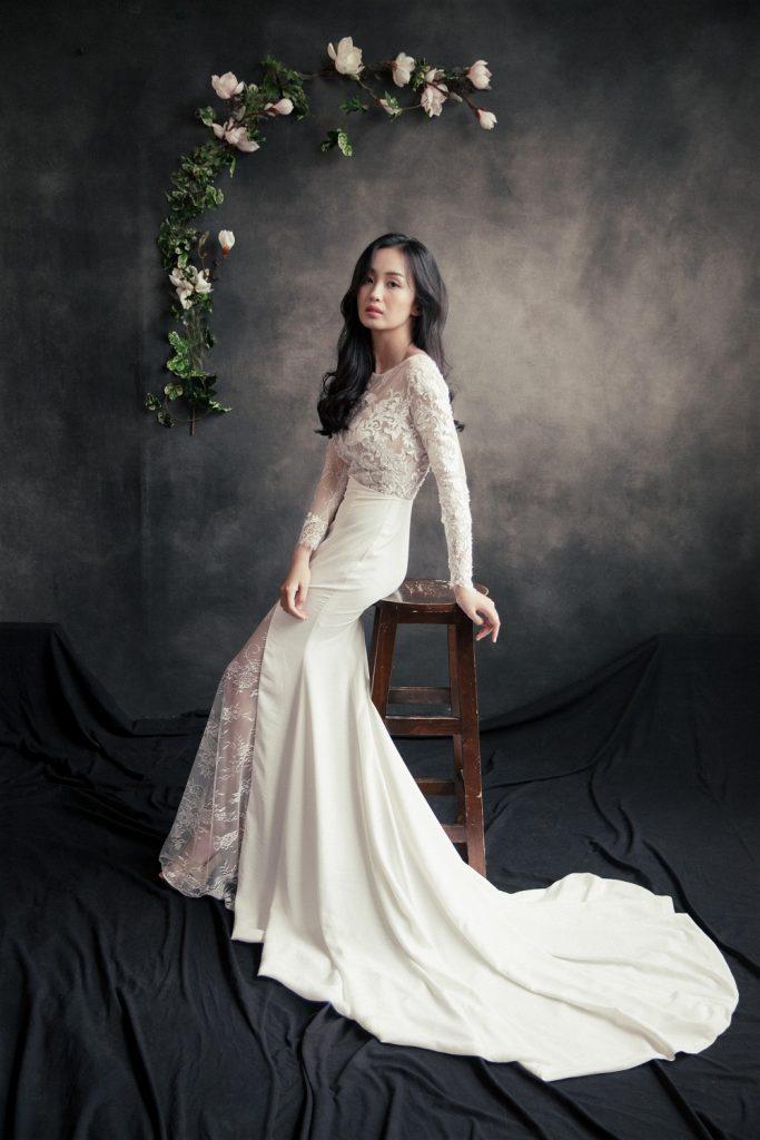 áo cưới đuôi cá màu trắng có tay