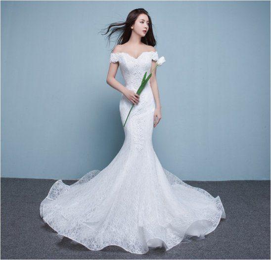 mẫu áo cưới đuôi cá treexvai màu trắng tinh khôi