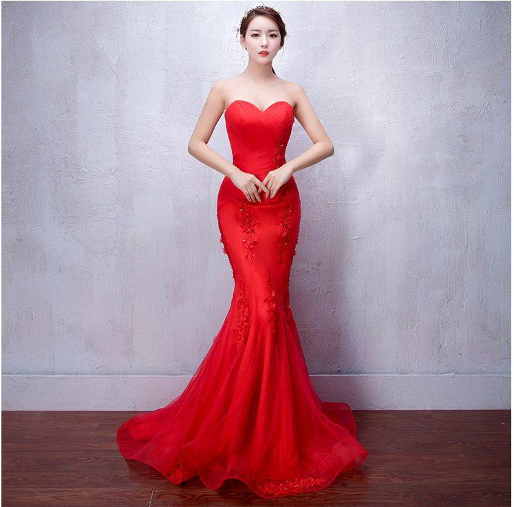 mẫu áo cưới đuôi cá màu đỏ