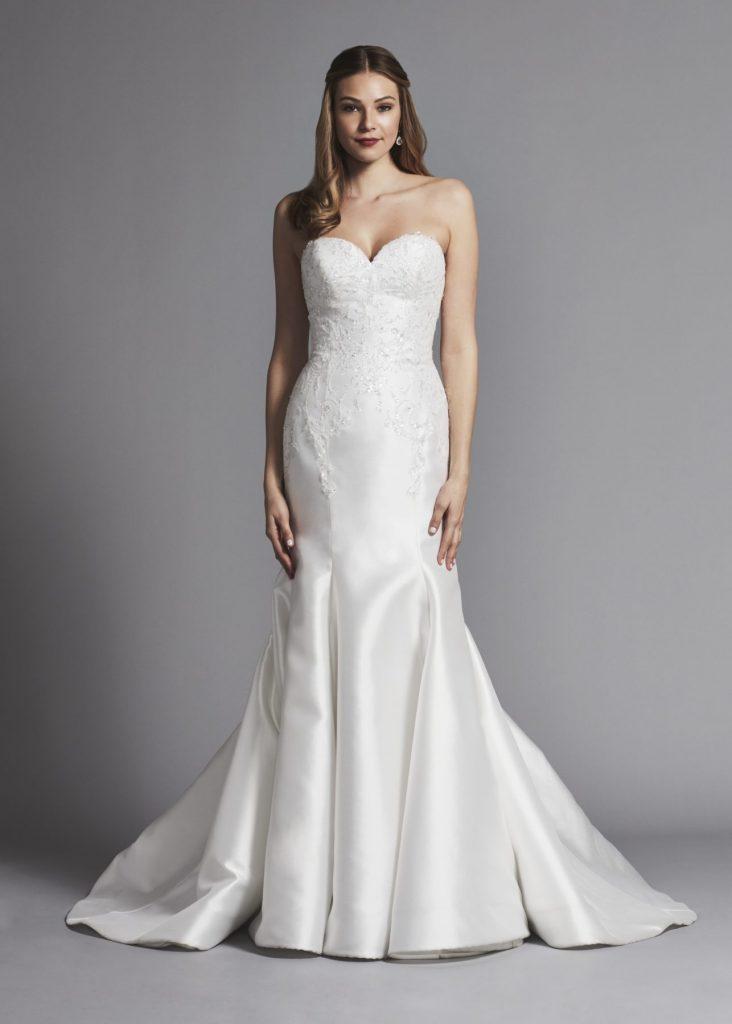 váy cưới dáng suông cúp ngực