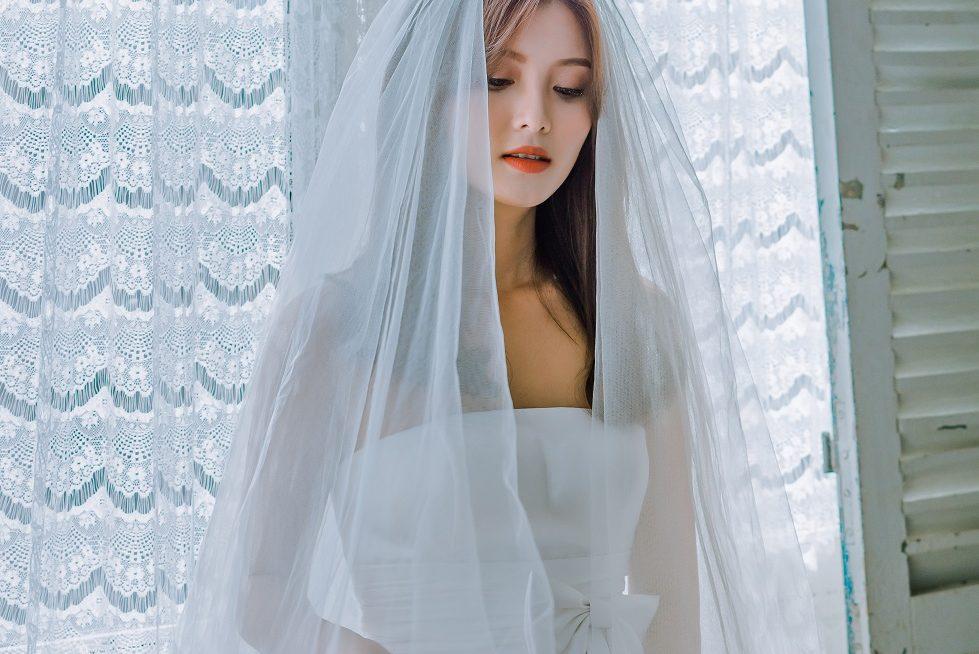 váy cưới dáng suông đơn giản