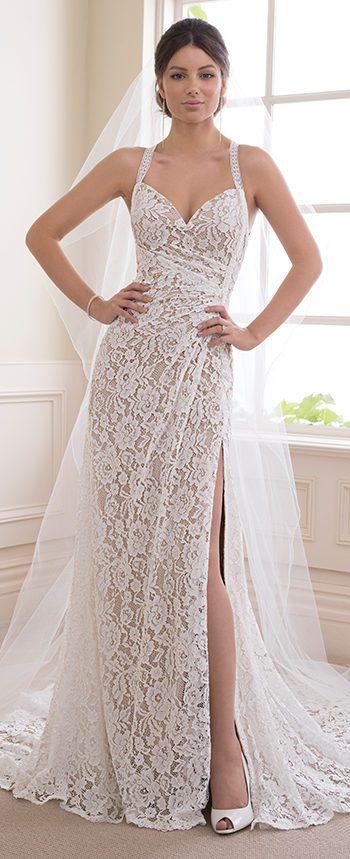 váy cưới suông gợi cảm