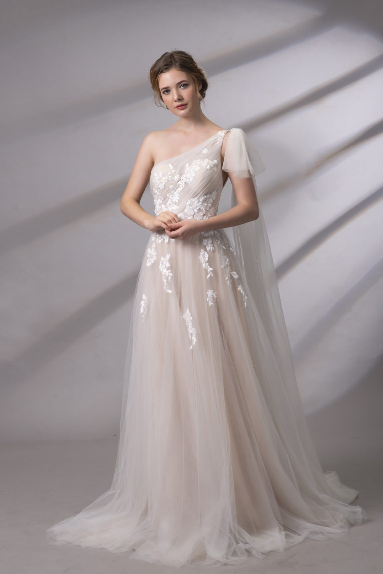 áo cưới selina 1 vai