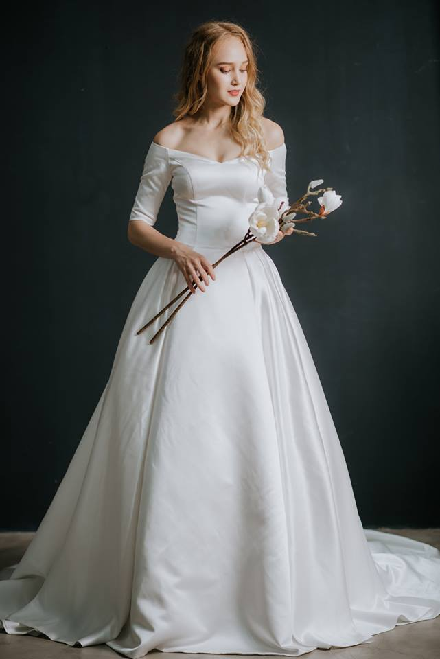 váy cưới công chúa may