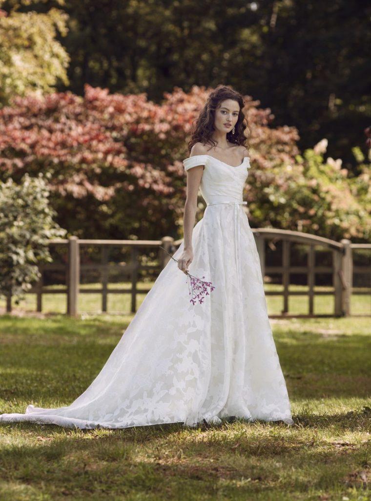áo cưới rớt vai đẹp