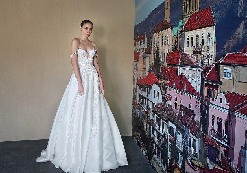 váy cưới hở vai đẹp