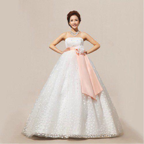 váy cưới đẹp khi đang mang thai