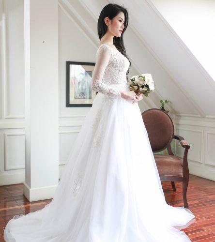 áo cưới dài tay dáng xòe