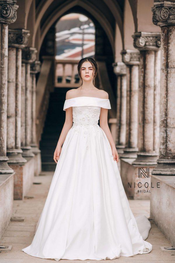 váy cưới đơn giản phi