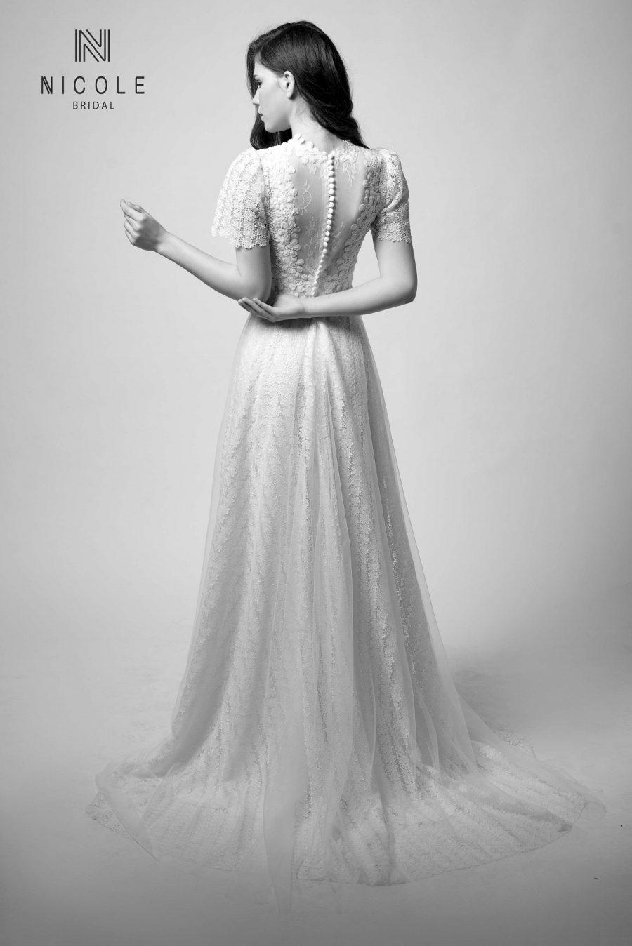 váy cưới chữ A kín đáo đơn giản