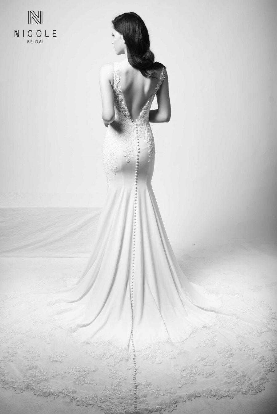 váy cưới đuôi cá sát nách