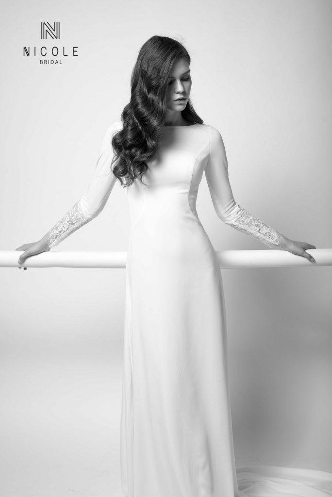 váy cưới đuôi cá kín đáo