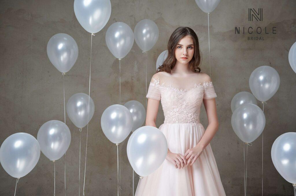 Váy cưới Zoey với tay con