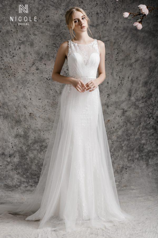 váy cưới chéo lưng chữ a