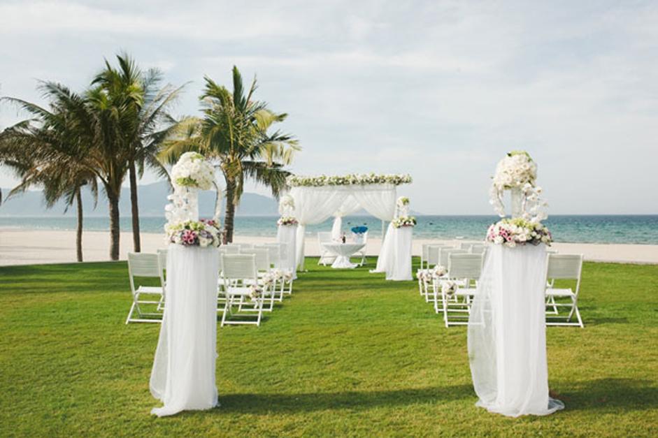 đám cưới tối giản